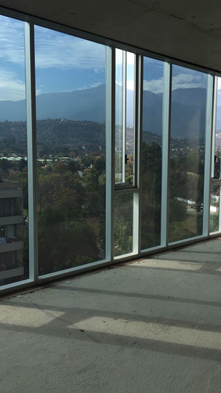 Arriendo / venta oficina 129 m2    Orilla metro