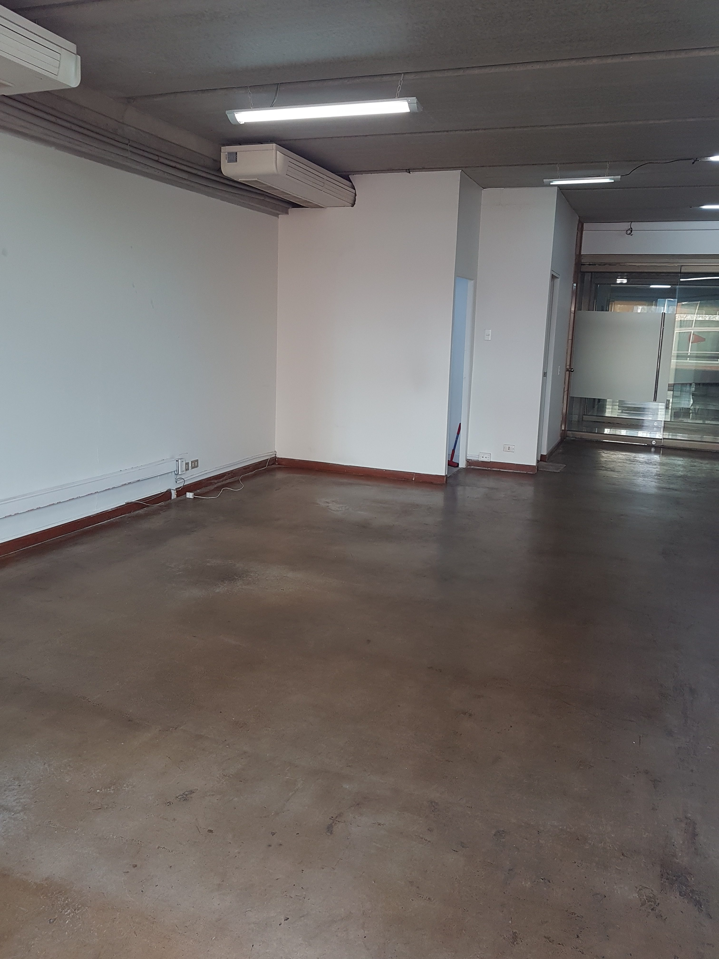 Oficina en planta libre 95 m2 Ciudad Empresarial