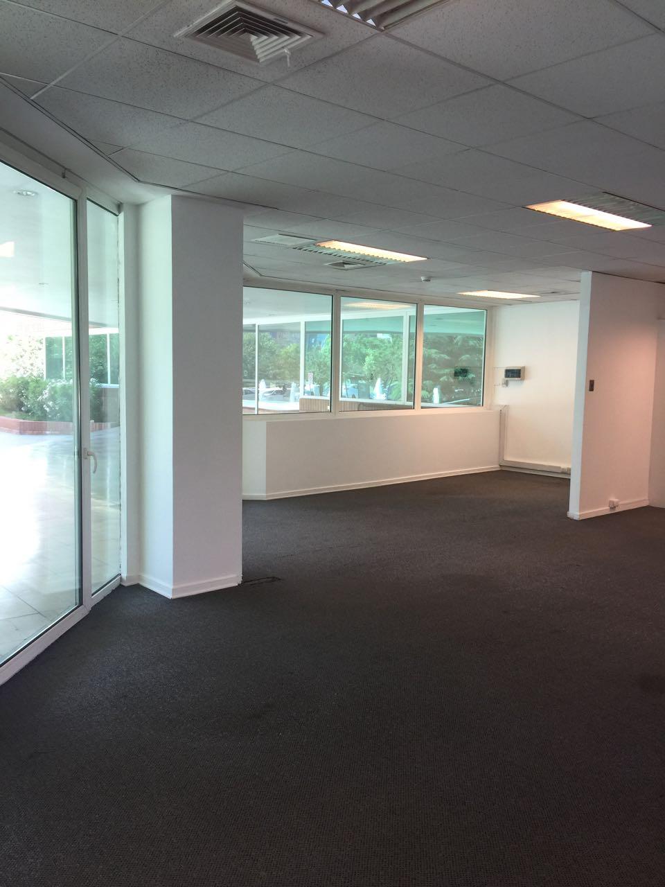 Oficina 105m2- Ciudad empresarial